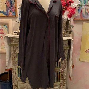Very soft night shirt XXL $7 grey w/ maroon trim